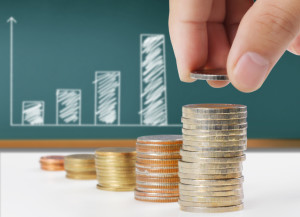 Bei den derzeit niedrigen Zinssätzen lohnt sich eine Umschuldung - hier kann der Widerrufsjoker vor einer Vorfälligkeit schützen