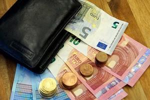 Verschiedene Gründe führen dazu, dass ein Schuldner sein Darlehen vorzeitig ablösen möchte: Zum Beispiel aktuelle niedrige Zinsen auf dem Markt.