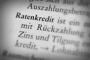 Möchten Sie Ihren Dispokredit umschulden? Dann bietet sich die Umwandlung in einen Ratenkredit an.