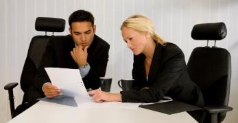 Vorfälligkeitsentschädigung: Bei der Berechnung kann ein Finanzprofi Ihnen weiterhelfen.